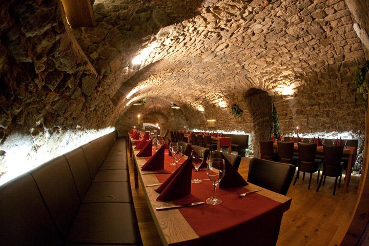bacchus_cellar_3
