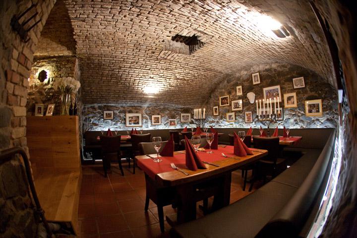 bacchus_cellar_4